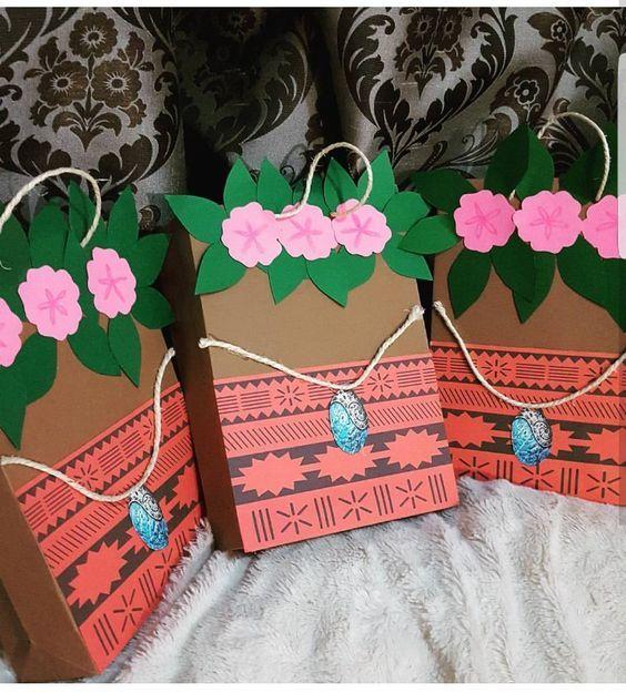 51 best fiesta infantil tematica de moana hawaiana images - Como hacer adornos para fiestas ...
