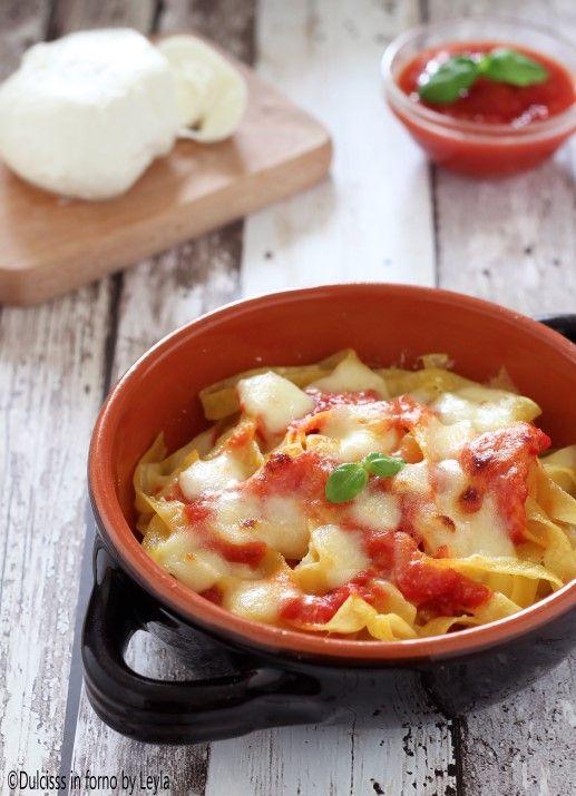 Pasta gratinata al forno con pomodoro e mozzarella Dulcisss in forno by Leyla