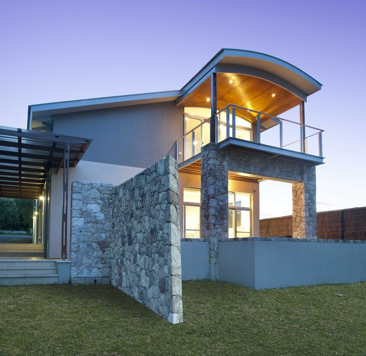 Dunsborough Beach house - designed by John Damant of Arcologic.