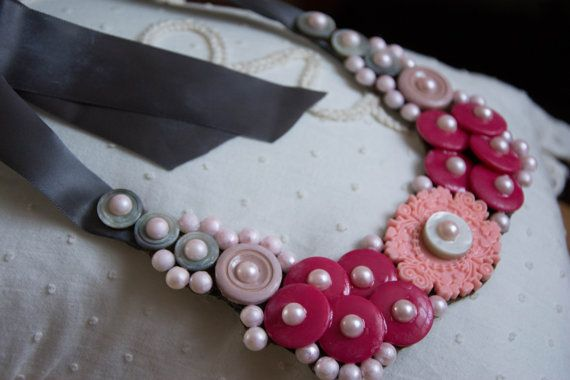Jewellery Necklace Vintage Buttons and Pearls