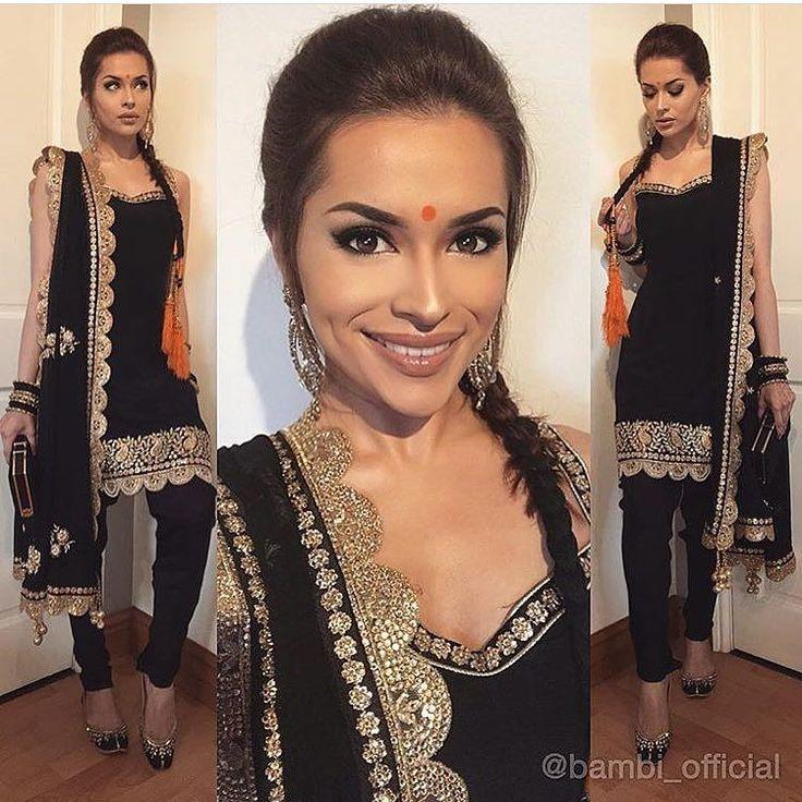 #Indian #indiansuits #blackandgold #bindi #orange #darkhair #pajamisuit #bride #indianbride #wedding #weddingphotography #bridesmaids #indianbridesmaids #dupatta #chunni #kameez #salwarkameez #salwarsuits #gold #model @bambi_official by mybigfatcloset