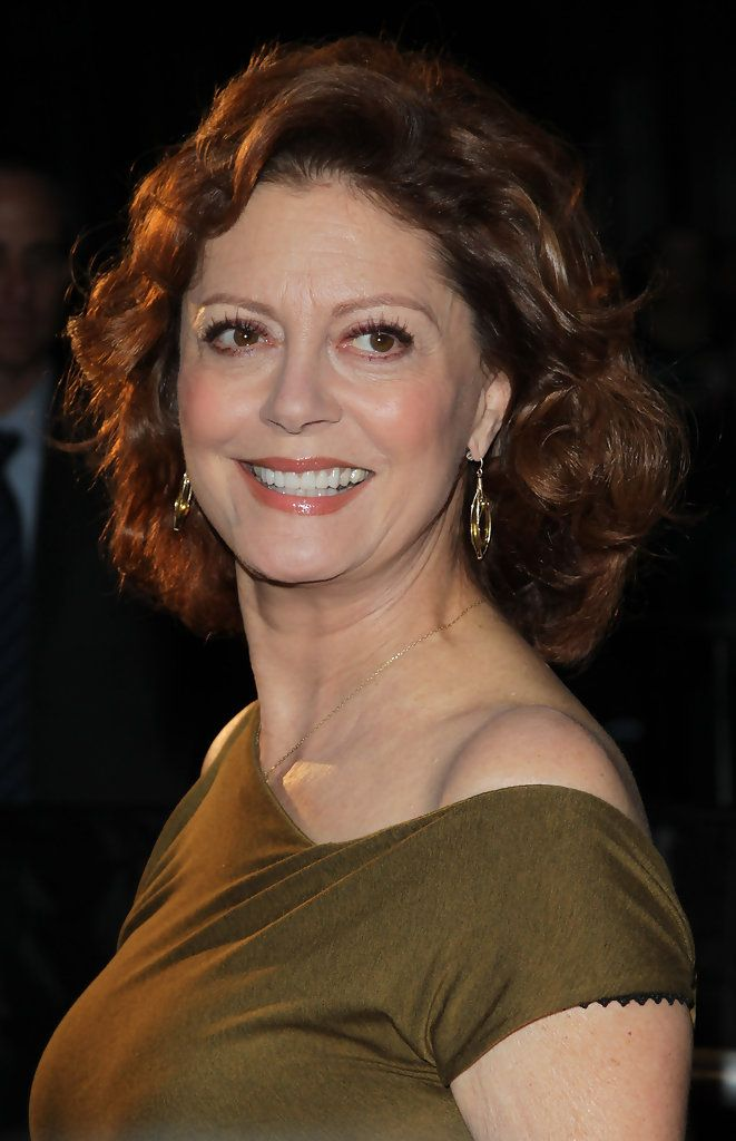 Susan Sarandon doesn't stray very far from her signature reddish-brown curls, but her shoulder-length look works well for the actress. She proves that if you find a style that fits, there's nothing wrong with sticking to it.