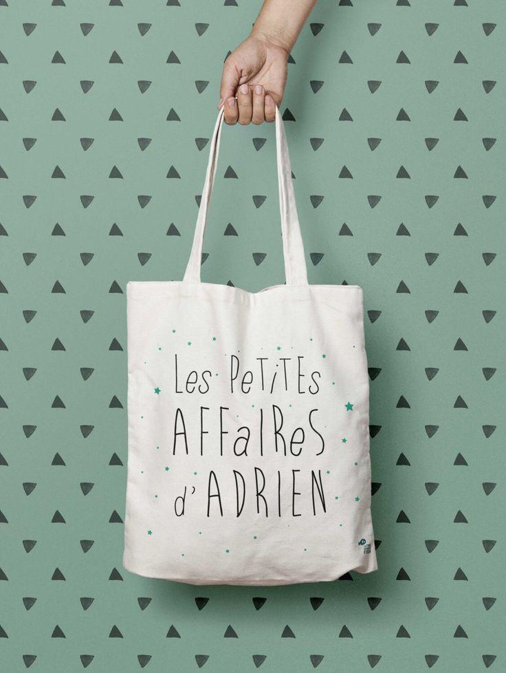 Sac cabas personnalisé Les petites affaires de, tote bag, sac à langer, sac de courses, cadeau personnalisé enfant par OnTheOtherFish sur Etsy https://www.etsy.com/fr/listing/250802035/sac-cabas-personnalise-les-petites