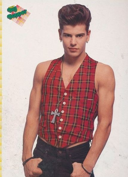 Oh boy, did I ever crush on Jordan Knight.  This was one of the many pictures wallpapering my bedroom.Jordans 3, Jordans Knights So, Gonna Married, Pictures Wallpapers, Block, Favorite Nkotb, Knights So Hot, Jordan Knight, Knights Nkotb