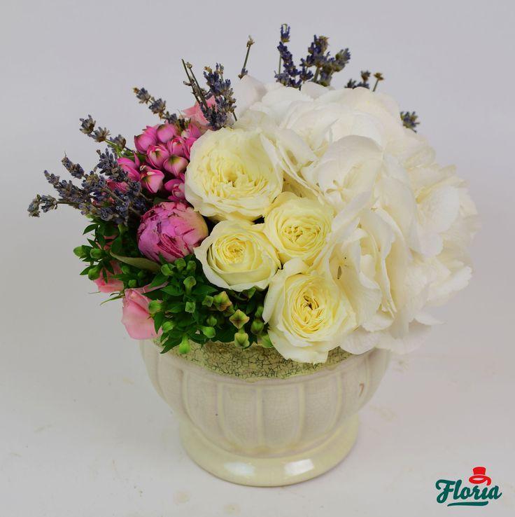 Ce spui dacă îi faci cadou un aranjament floral? Azi, mâine...poate chiar în două ore?
