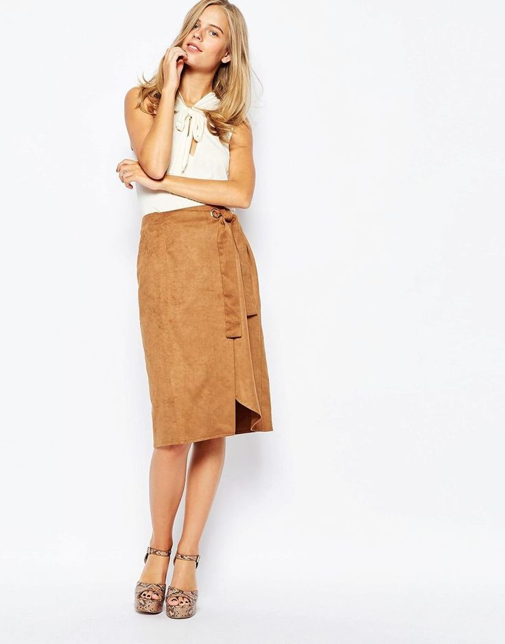 Замшевые юбки (83 фото): с чем носить юбки из замши, с запахом, с бахромой, черные, бежевые, коричневые