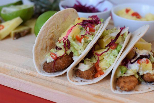 Mitt första recept på bloggen får bli det godaste som jag har lagat på länge! Dessa tacos har fan allt:dom är frasiga, fettiga, söta och syrliga. Jag kan också lova att dom är lätta att laga