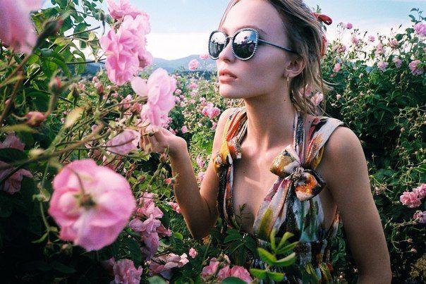 lily rose depp chanel | Tumblr