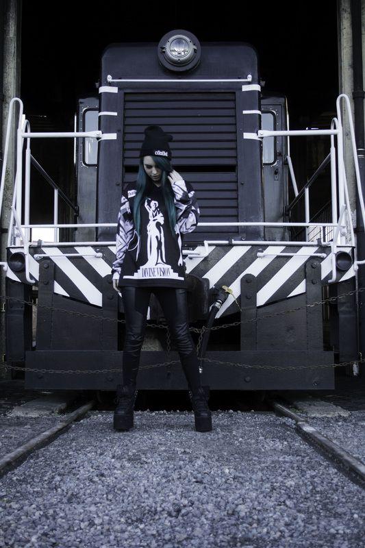 fashion blogger @susb1tch