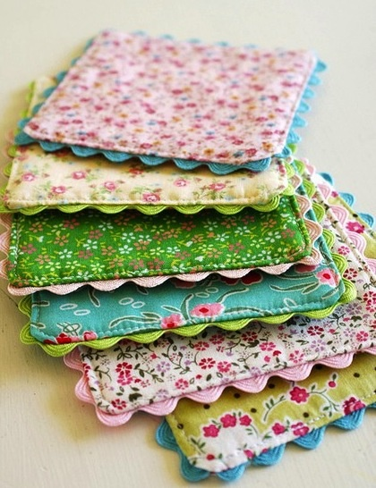 Potholder's - use leftover tea cozy fabric to make matching pot holder for hot teapot handle