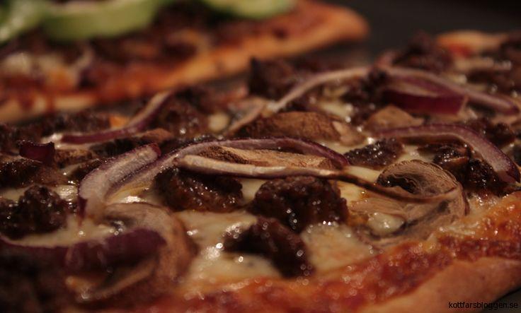 Pizza med köttfärskluttar. #food #pizza