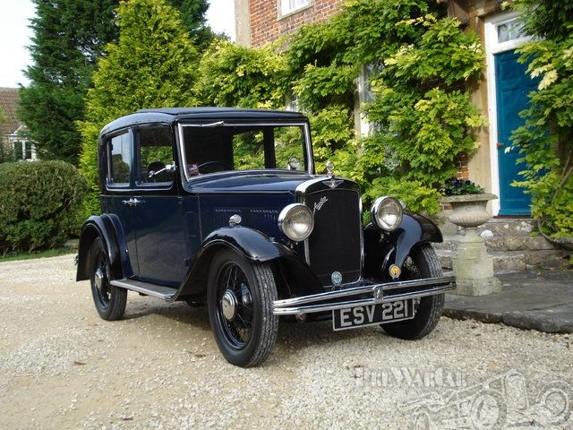 Austin 10/4 Saloon Deluxe 1933.
