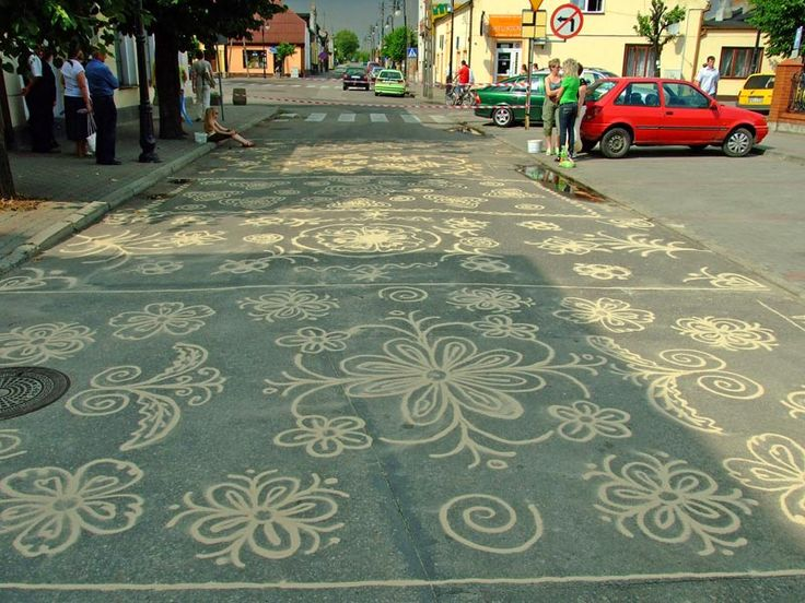 Poland: old tradition of drawing protective symbols with sand
