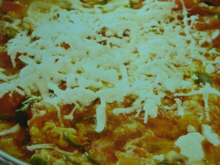 Peynirli Menemen Tarifi, yemekgemisi.com #menemen #yumurta #aperatifler