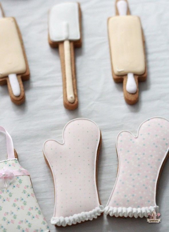 How To - Kitchen or Baking Themed Decorated Cookies | Sweetopia