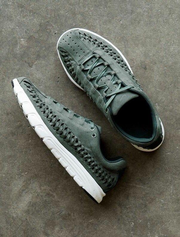 Nike Mayfly Woven: Green