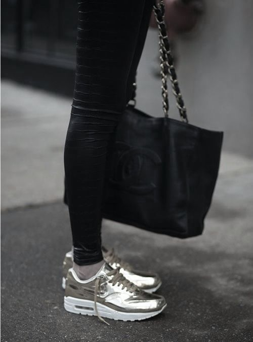 Chanel & Nike #sneakers #nike #chanel #goldsneakers #fashion #style #fanzis