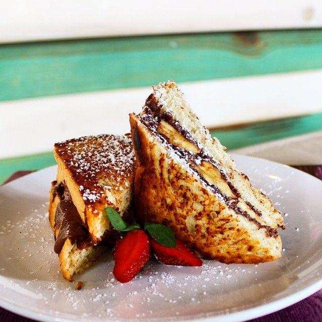 ¡Uno de los favoritos! Nutella Sandwich. Hecho a la plancha con pan brioche de la casa, nutella y plátano en el medio.  Instagram photo by @malpajbistro (malpajbistro) | Iconosquare