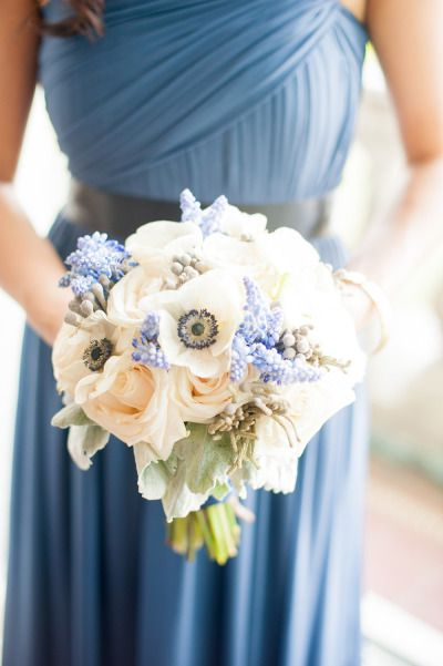 A Jane Austin English Manor Inspired Wedding at Aldrich Mansion: http://www.stylemepretty.com/rhode-island-weddings/2014/05/06/a-jane-austen-english-manor-inspired-wedding-at-the-aldrich-mansion/ | Photography: Twah Dougherty - http://twahdougherty.com/