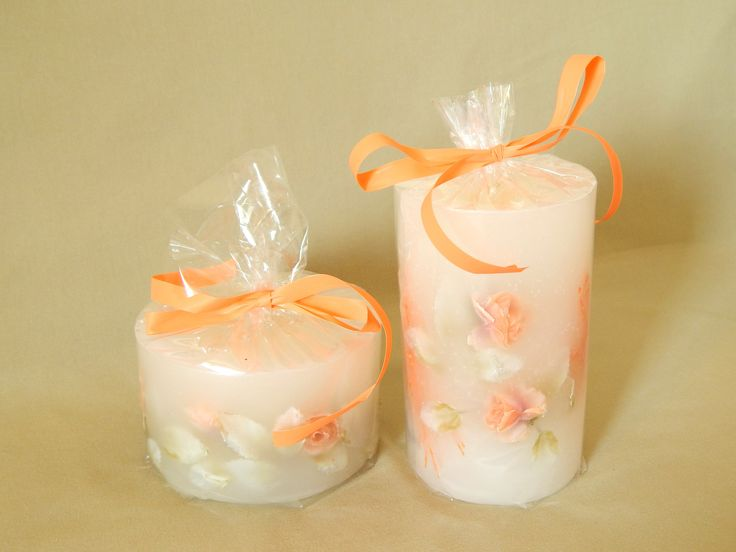 White handmade romantic candles for bedroom decoration. With vanilla flavor.  #handmade #candles #romantic #bedroom #lighting #white #vanilla from @kirofos