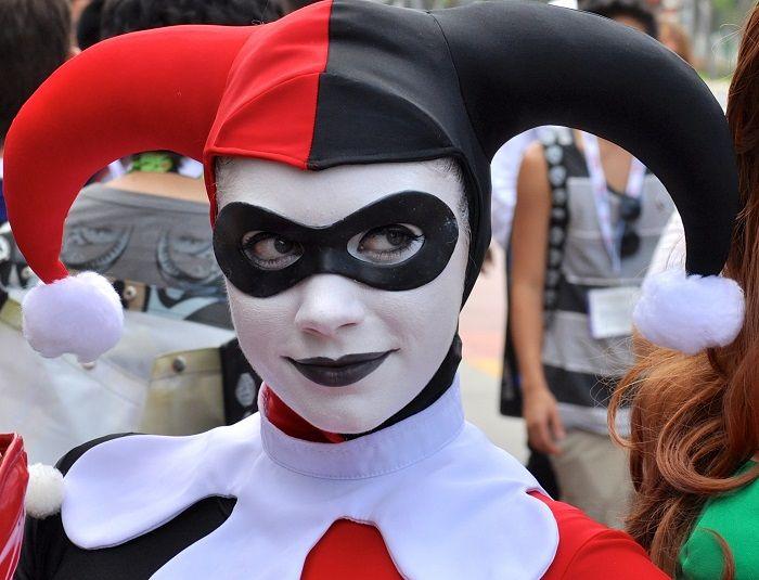 How to make a Harley Quinn costume | eHow UK