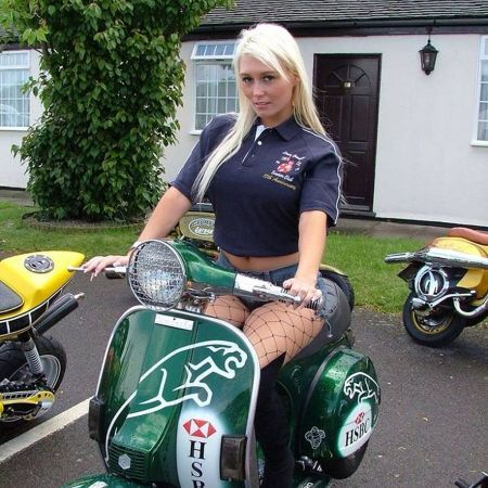Scooter Girl Vespas 124
