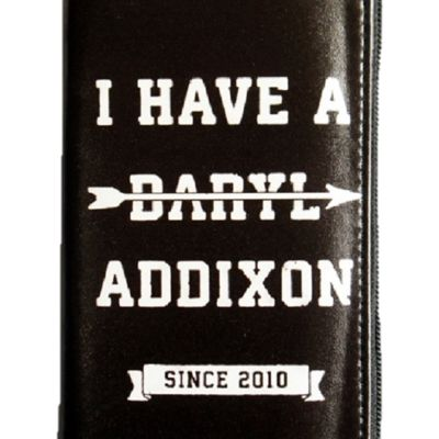 The walking dead - darly dixon women's clutch with back wings design