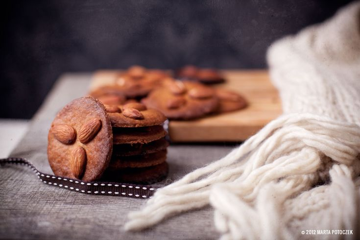 almond and peanut butter cookies- yummy!!!