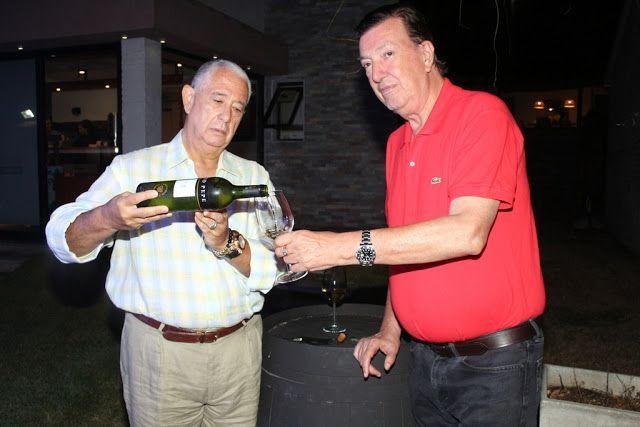 Sergio Puglia y Paco Calvete en la fiesta de Tío Pepe en #PuntaDelEste @pugliainvita   Sergio Puglia y Paco Calvete probando el jerez Tío Pepe en Punta del Este.  galería