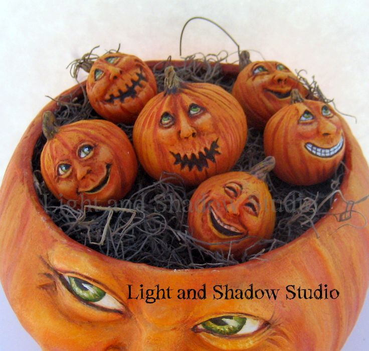 momma pumpkin and babies  artist tammy strum of light and