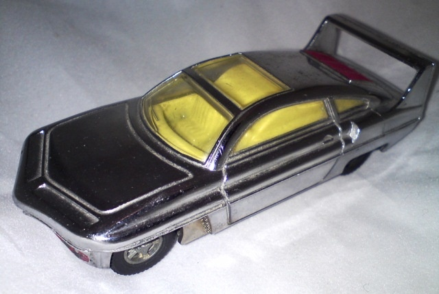 Dinky Toys diecast model Sam's Car from Gerry Anderson's UFO! Silver plated with keyless clockwork motor (ie pullback!) In great shape! £40.00
