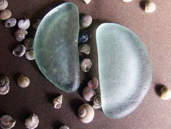Half moon glass sea glass bottle bottoms di GlassAndSeaStones, €7.00