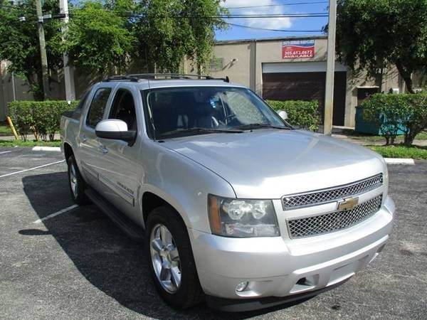 Call 954 391 7910 Www Bestpricecardealer Com Few To Choose This 2011 Chevrolet Avalanche Double Cab Pic In 2020 Pickup Trucks Chevy Avalanche Backup Camera
