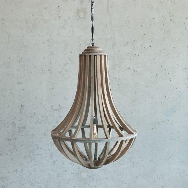 Houten kroonluchter | Deze stoere lamp gemaakt van hout uit een oude zagerij geeft je interieur een unieke uitstraling.