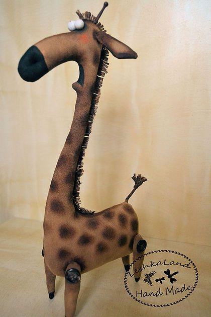 Купить или заказать Жираф Эд в интернет-магазине на Ярмарке Мастеров. Одна из самых редки разновидностей жирафов в природе-жираф пугливый. Боиться высоты, воды и насекомых!