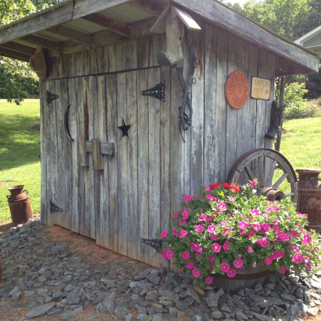 make garden shed cover ugly pump housetoo cute this is an excellent idea to cover an eye sore now i need an idea to cover an eye sore in the front yard