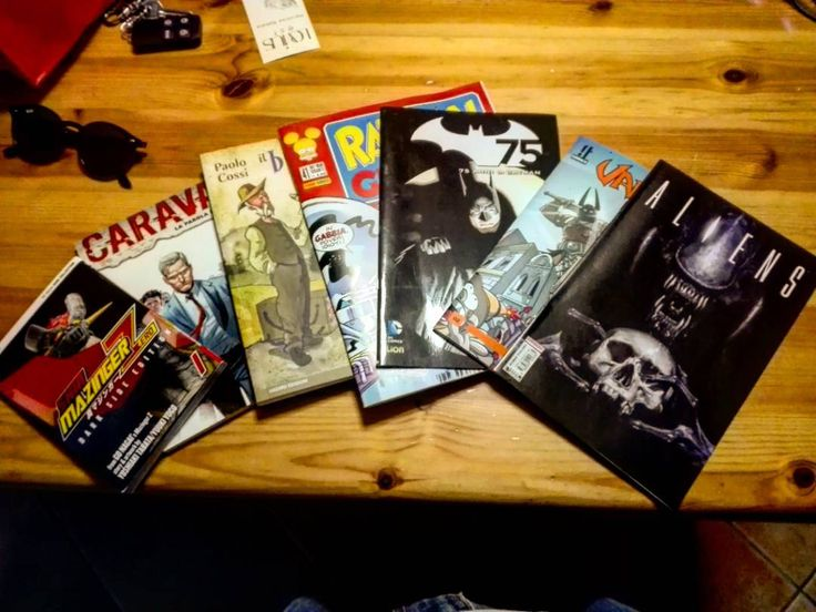 Fumetti per le vacanze!  #fumetti #comics #batman #aliens #holyday #entertainment #vacanze #estate #summer #comicslovers #ig_comics #igers #igersbergamo #igersitalia #igersitaly #reading #reader #readers #igreaders