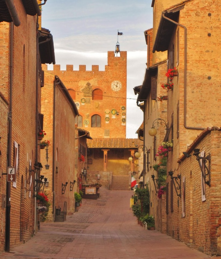 Certaldo, Tuscany une des plus belles places au monde