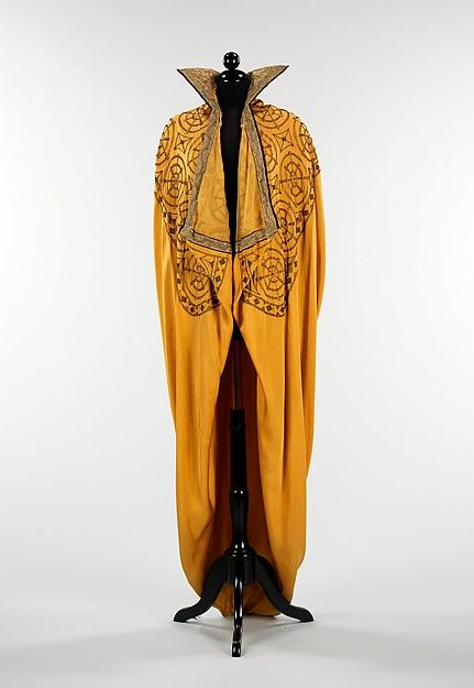 Evening cape Date: 1910–15 Culture: American Medium: silk, metal Accession Number: 2009.300.385