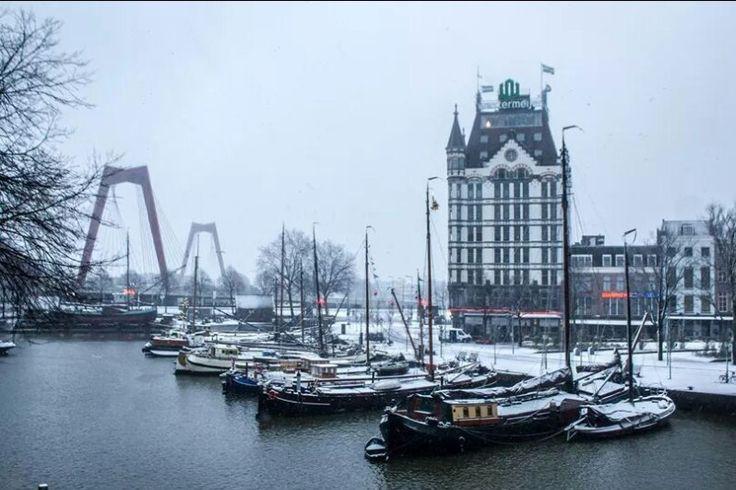 .Rotterdam, Oude haven in de sneeuw.
