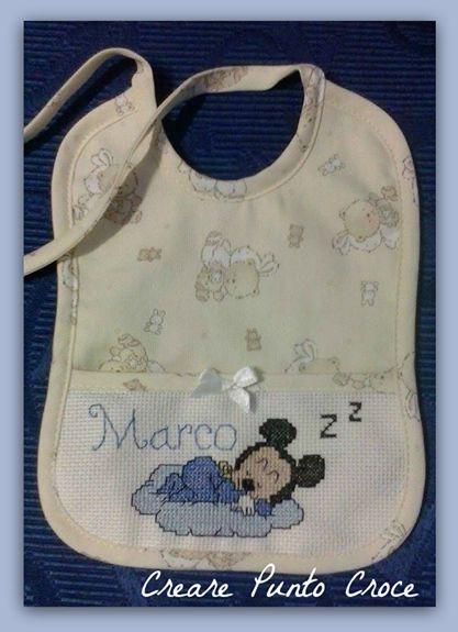 Bib Mickey mouse cross stitch..Bavaglino Topolino che dorme ricamo punto croce #puntocroce