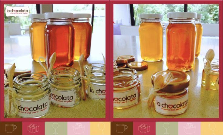 En nuestros desayuno de La Chocolata 'al natural' traemos la miel más pura del mercado para que endulces saludablemente tu mañana --> http://lachocolata.com.co/