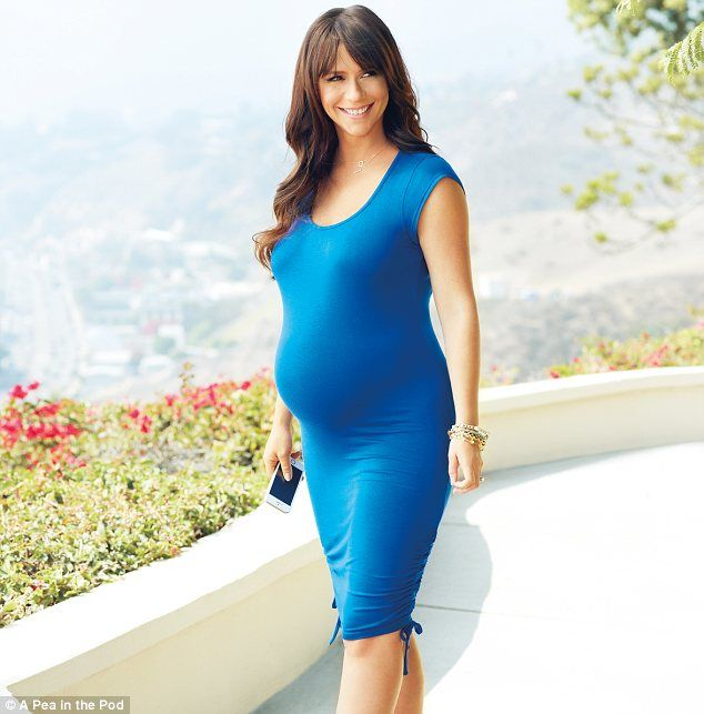 Jennifer Love Hewitt makes her design debut with maternity fashion line for A Pea in the Pod