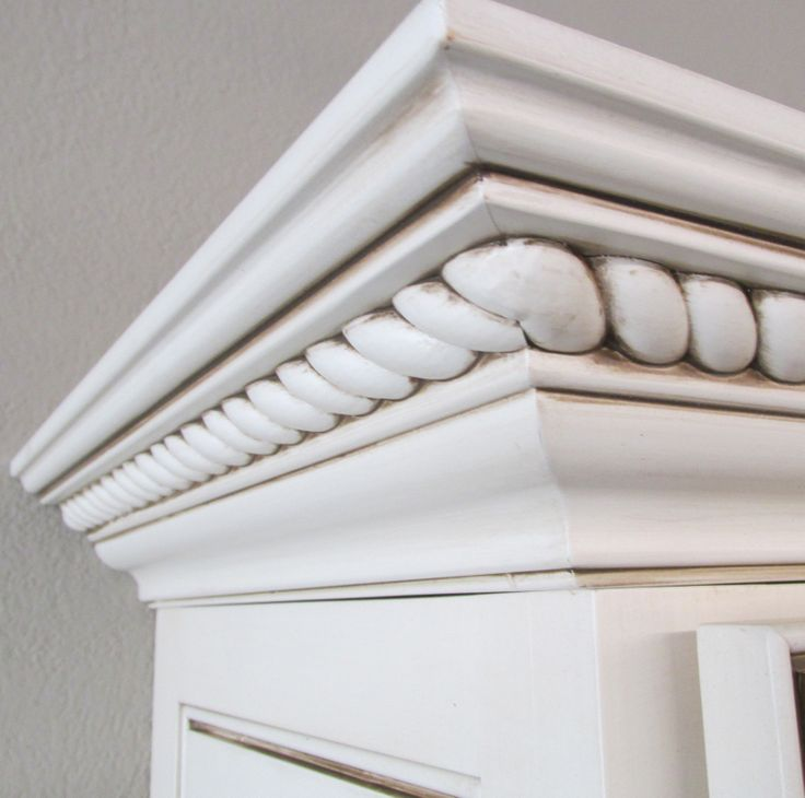 Light Rail Kitchen Cabinet Molding Trim Ewlr12 Maple: Painted Cabinets With Glazing And Beautiful Rope Trim