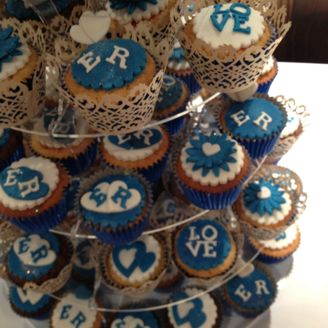 1000+ images about Cupcakes!!! on Pinterest | Royal blue ...