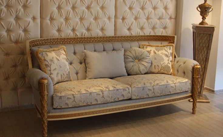 Birinci sınıf kumaş ve döşeme malzemelerinin kullanıldığı Artemis Koltuk Takımı, genellikle kendi grubundan olan Artemis Yemek ve Yatak odası ile kombin ediliyor. http://www.asortie.com/koltuk-155-Artemis-Klasik-Koltuk-Takimi
