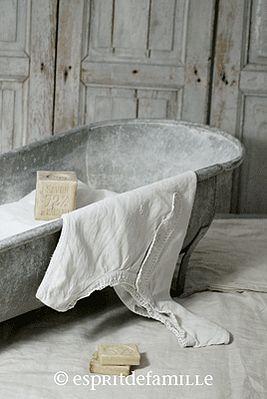 17 meilleures id es propos de salles de bains shabby chic sur pinterest r - Brocante industrielle en ligne ...
