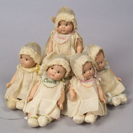 Madame Alexander Dionne Quintuplets, c. 1936, Annette, Marie, Cecile, Yvonne and Emilie, in original unplayed-with condition