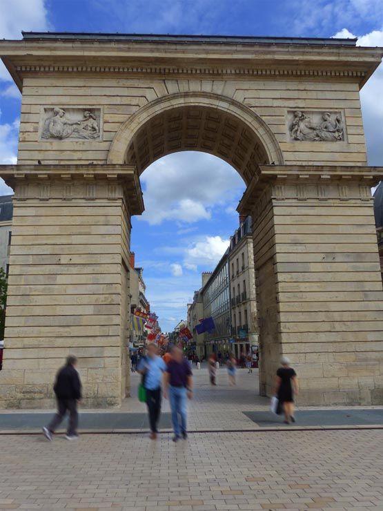 Les 629 meilleures images du tableau bourgogne sur pinterest bourgogne france franche comt - Porte du diable dijon ...