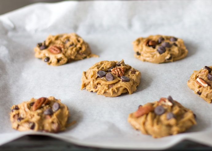 Vandaag is het zover! Vandaag deel ik het in de winactie-video beloofde cookies recept dat je kunt maken met de DIY-bakmix die ik in de goodieboxen heb gestopt. Het is een recept voor pecannoten chocolate chip cookies en het goede nieuws is dat je deze cookies ook kunt maken als je niet gewonnen hebt. Het...Lees Meer »